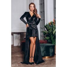Двубортное платье со шлейфом