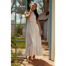 Белое платье в горошек