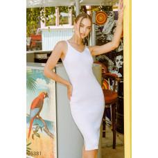 Базовое белое платье с u-образным вырезом